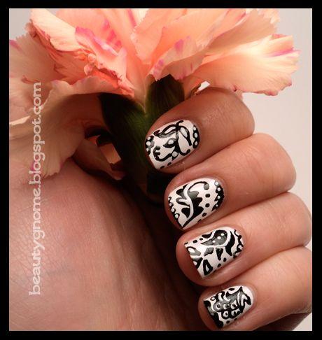 BeautyGnome: Damask Manicure