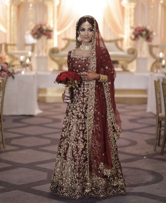 Full embroidered Red Lehnga for brides