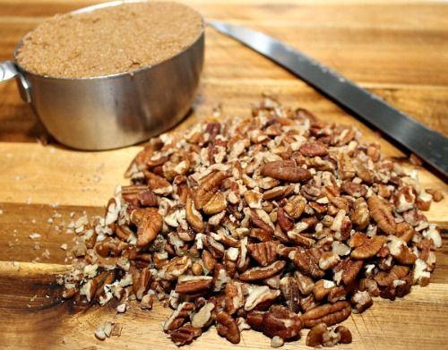 Making brown sugar and pecan coffee cake
