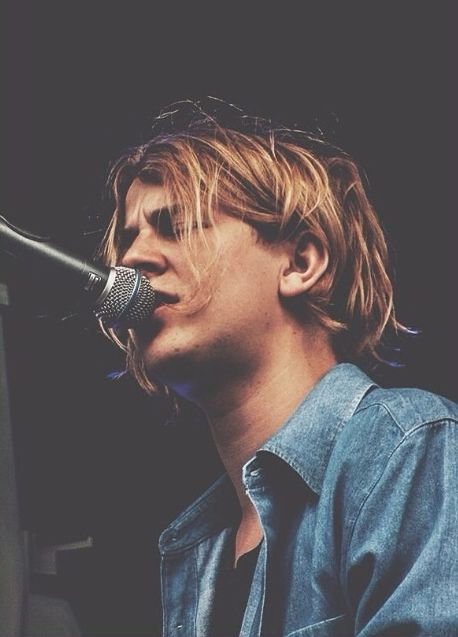 tom odell aka babe. There's something about that hair