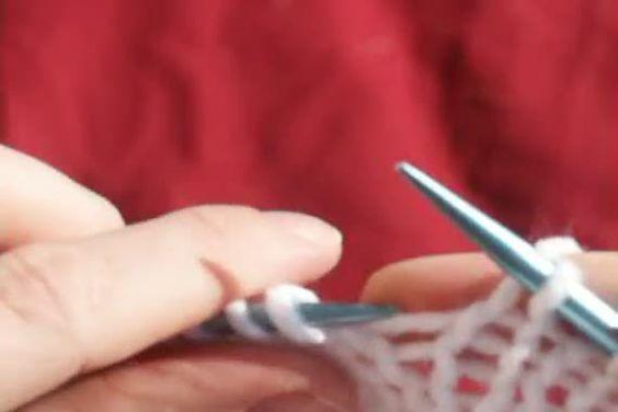 Make 1 Right Augmentation intercalaire penchée vers la droite