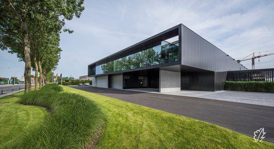 Realisaties | Bedrijfstuin als Landschap rond Modern Bedrijfsgebouw
