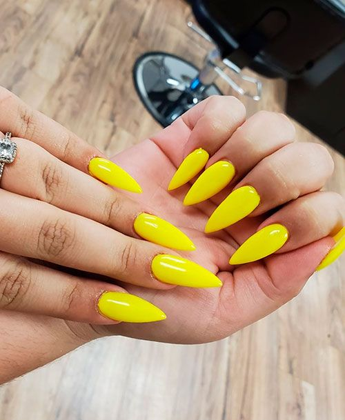 Cute Shine Yellow Stiletto Nails For Summer 2019 Summernails Summernailart Summernaildesigns Summernailcol Yellow Nails Design Yellow Nail Art Yellow Nails
