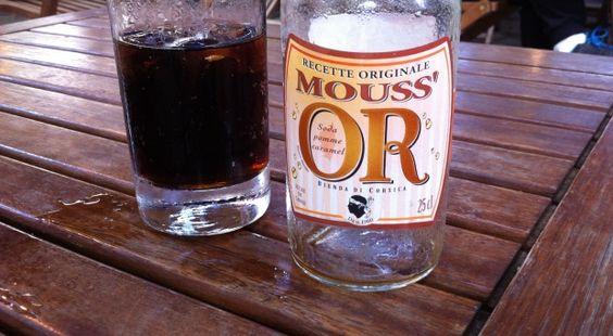 Vedendo sul tavolo dei vicino di bar una bottiglietta che non avevo ancora visto, ho chiesto alla cameriera cosa fosse.... #CorsicaVivilaAdesso