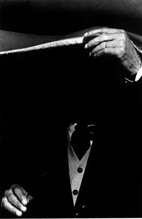 Ralph Gibson - Artifacts, 1975. ☀