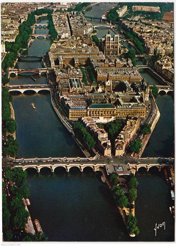 L'Île de la Cité vue du ciel ! #view #Paris #city