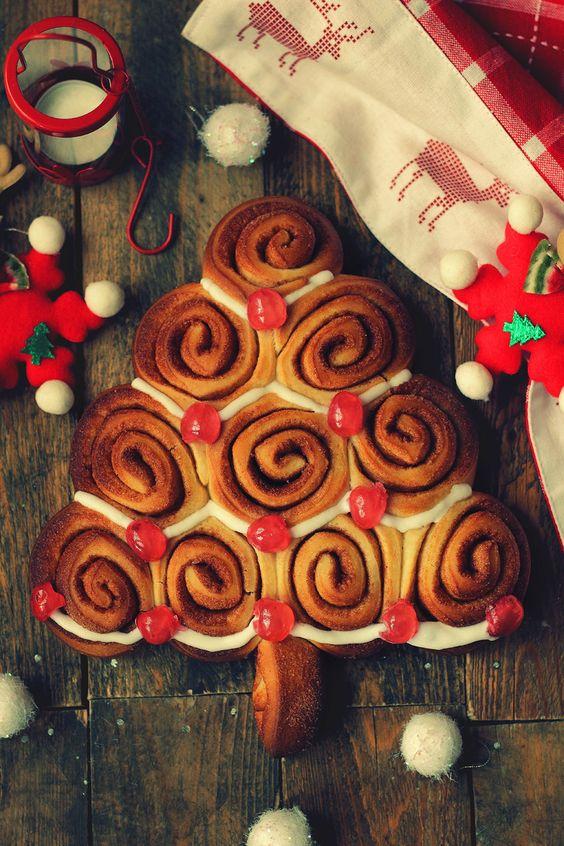 Arbol de Navidad de rollitos de canela