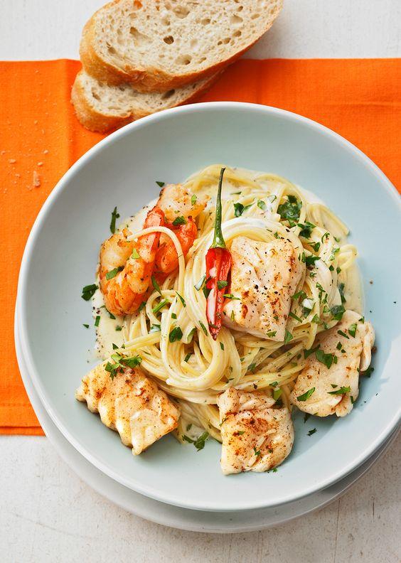 Spaghetti mit Fisch und Garnelen