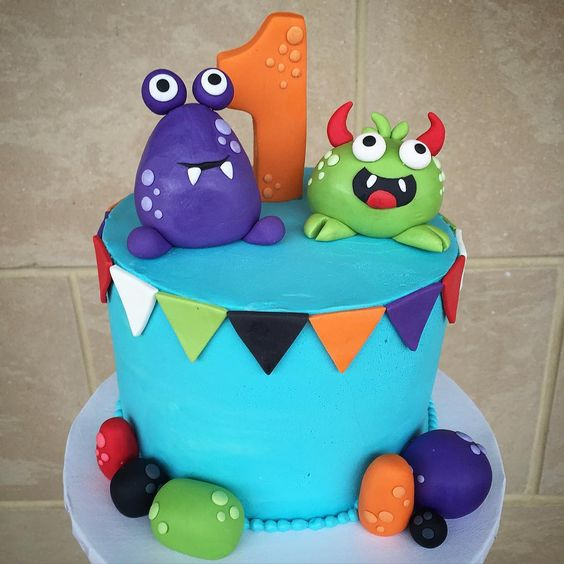 Cute little monster cake. Perfect for a monster themed kids party or 1st birthday party @flourshoptx