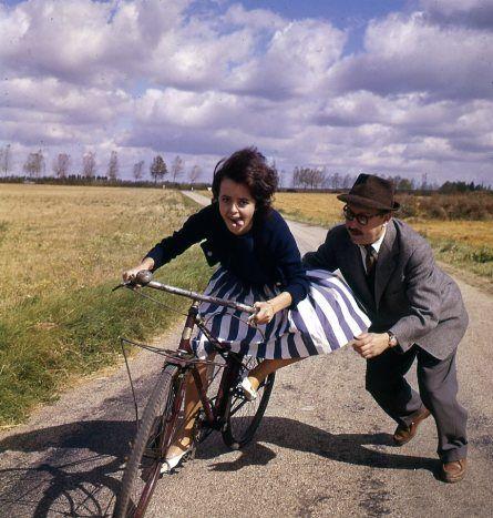 La Femme au volant -plaquette publicitaire. Aout 1961. Robert Doisneau.