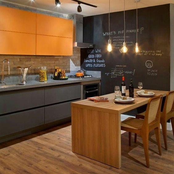 Um ambiente original e com muito estilo!! #inspiração #decoracao #arquitetura #ambientes #projeto #detalhes #pinus #osb #paletesnadecoração  #sustentabilidade #ecofriendly