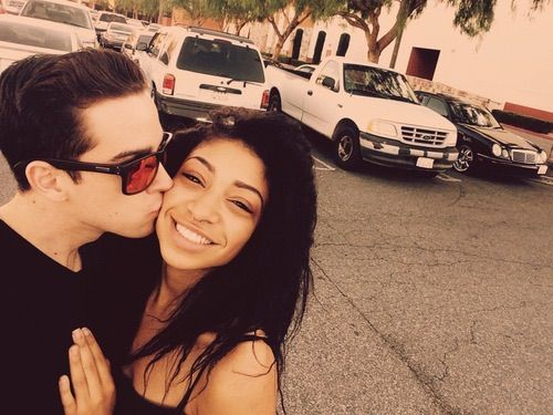 Image via We Heart It #couples #kissing #love #bwwm #raetinny