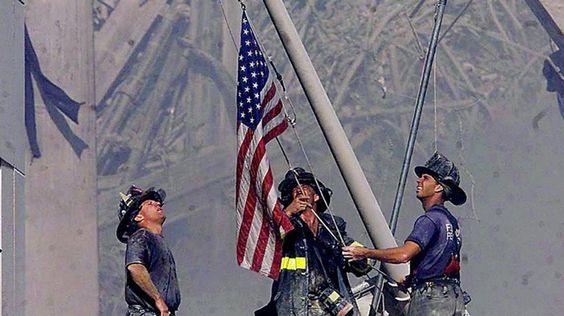 Vídeo: 11 S: Reaparece la bandera de la 'zona cero' de Nueva York 13 años…