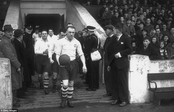 14th February 1948: Bill Shankly (1913 - 1981) leading out Preston North End Football Club. He later became manager of Liverpool Football Club. (Photo by William Vanderson/Fox Photos/Getty Images)