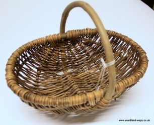 More rustic, more traditional picnic or foraging basket