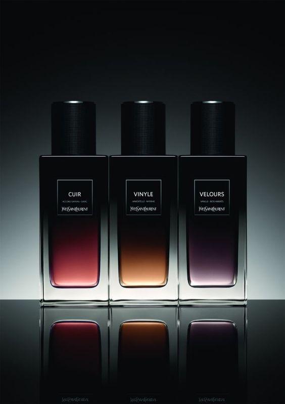 Velours Yves Saint Laurent pour homme et femme Images