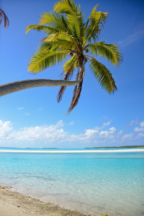 Aitutaki, Cook Islands. Oh GOD This is SO Boring. Please Kill Me. Now on my travel bucket list.