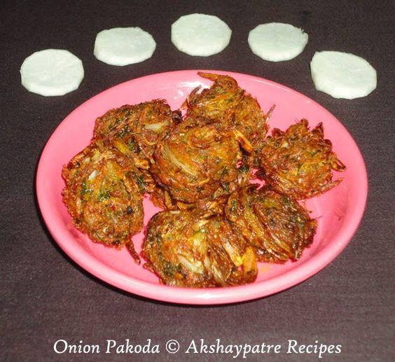 Shallow fried onion pakoda recipe - how to shallow fry kanda bhaji