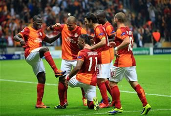 Sparkling first-half show gives Galatasaray convincing 3-1 win in CL
