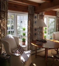 Inspiring english cottage decor ideas 31