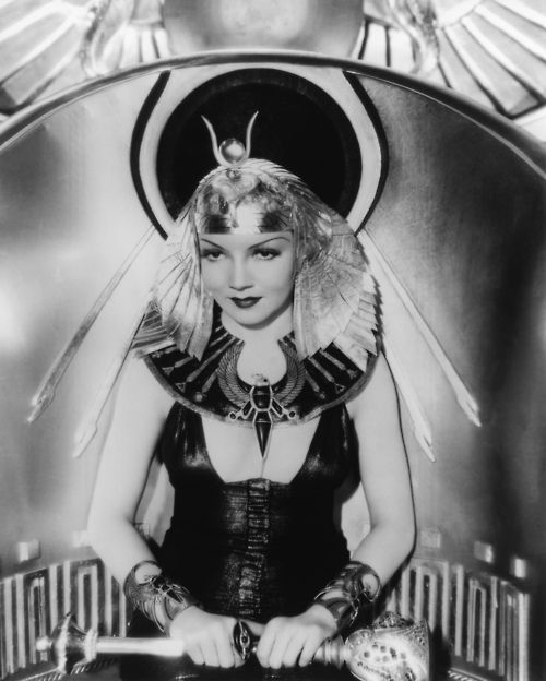 Claudette Colbert as Cleopatra (Cecil B DeMille, 1934)