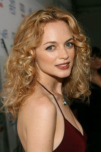 Heather-Graham-Long-curls-hairstyle