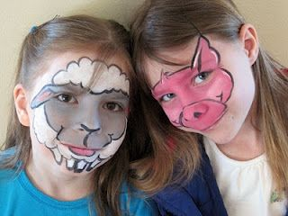 sheep and piggie face paint facepainting pinterest schweine malen und lamm. Black Bedroom Furniture Sets. Home Design Ideas