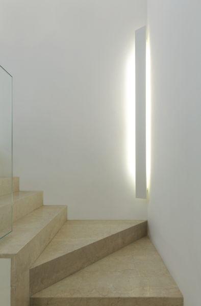 階段 ブラケット照明 コーディネート例