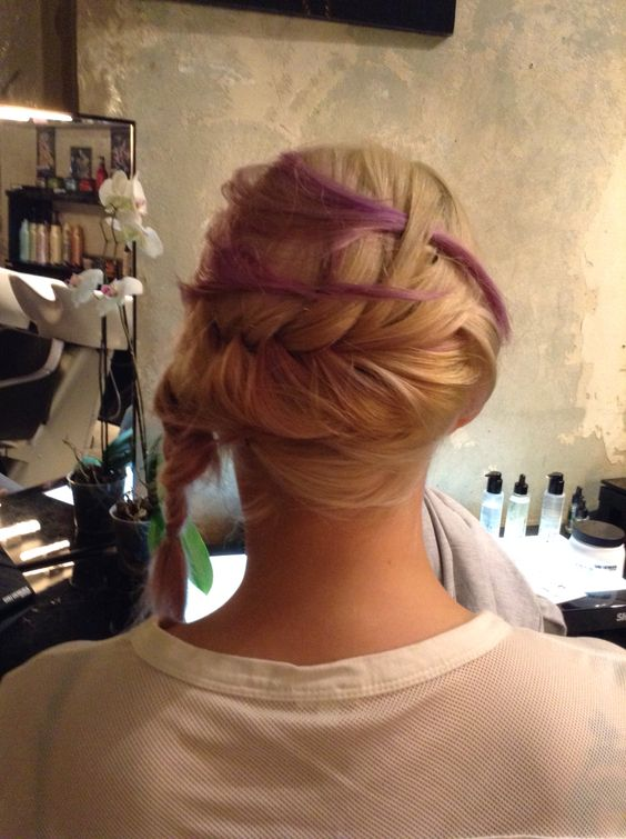 #urbanglamilano #coloredhair #italianstyle #hairstyle #urbanomania #trend #pink #braid