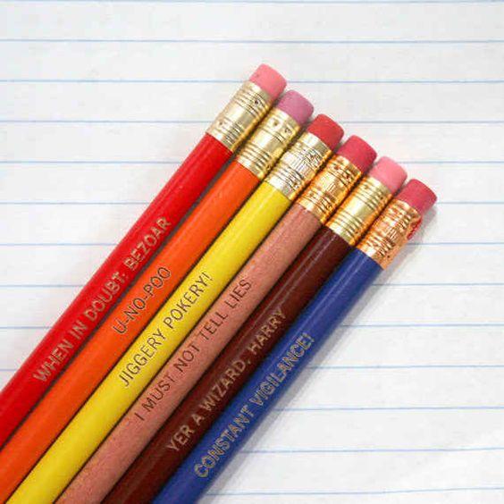Juego de lápices grabados