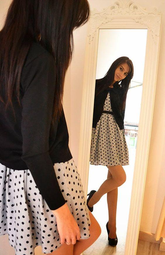 En clave de #primavera, #vestido con #topitos #print de #Kling combinado con la torera de #Compañía #fantástica #fashion #spring