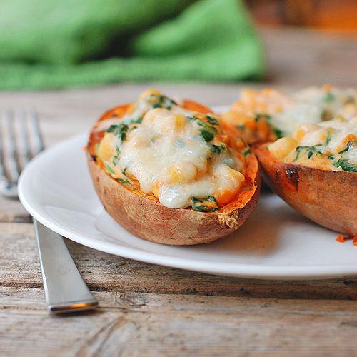 البطاطس الحلوة بحشوة السبانخ بالفرن مطبخ سيدتي Recipe Healthy Superbowl Snacks Sweet Potato Skins Stuffed Sweet Potato Healthy