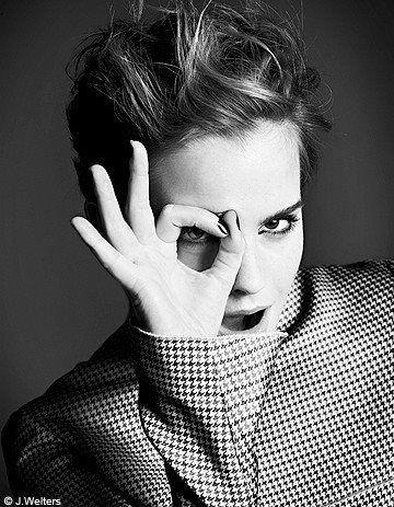"""""""Obviamente tengo inseguridades y dudas. Pero tengo que hacer lo mejor posible y ser yo misma.""""   Emma Watson."""