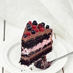 Chocolate Bery Cake by monicalazar