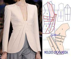 Modelo de casaco com pregas sugerido por algumas seguidoras. Este casaco tem um corte elegante e arrojado.