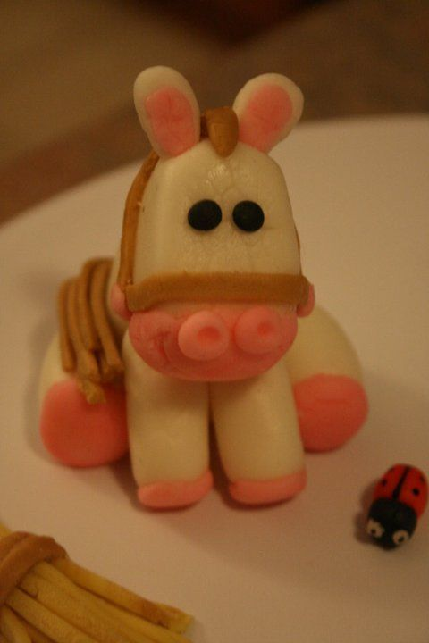 Edible Cake Images Horses : Fondant horse, Horse cake toppers and Horse cake on Pinterest