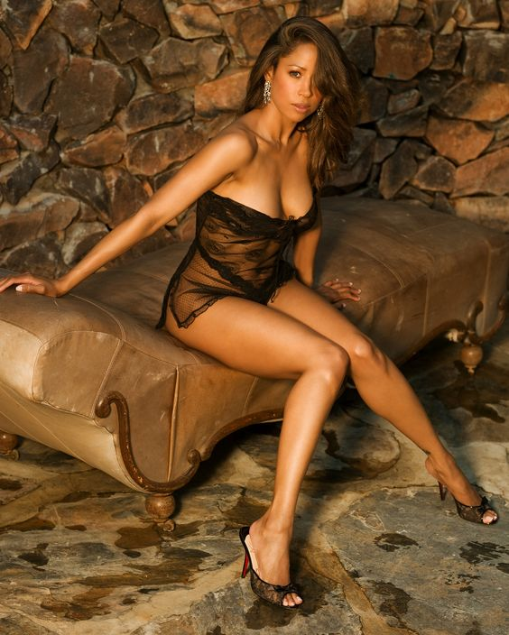 Stacy Dash - This is a real beauty of an ebony woman