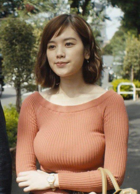 オレンジニットの筧美和子