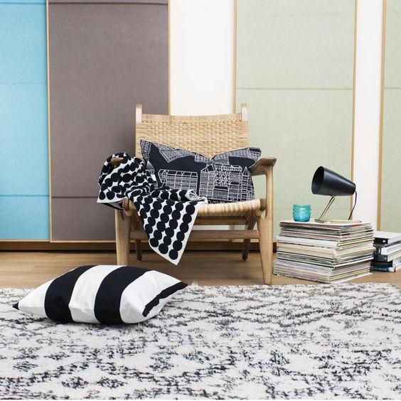 The perfect spot for a good read. // #marimekko #marimekkohome #aw15 // Asemakaava + cushion & Rasymatto blanket