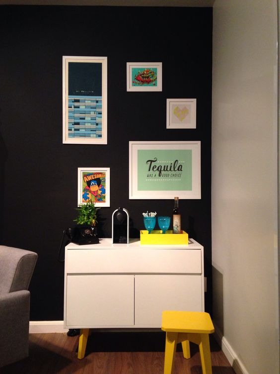 Adesivo De Carros Familia Feliz ~ Aparador oppa e parede preta #aparador #yellow #amarelo #moveis #nespresso # For the Home