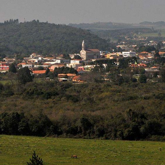Rebouças, Paraná, Brasil - pop 14.812 (2014)
