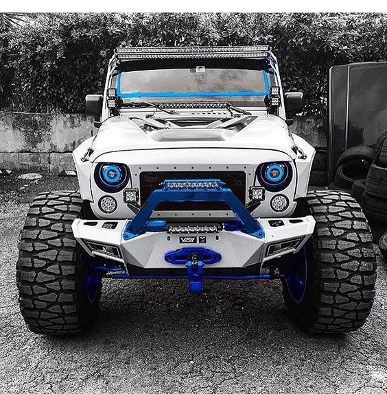 white jeep jk with blue trim and nitto mud grappler tires jeeps pinterest nice love the. Black Bedroom Furniture Sets. Home Design Ideas