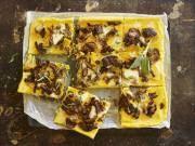 Polenta-Pizza mit Pilzen und Salbei(Bild: Claudia Linsi)