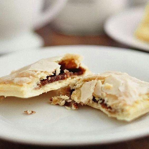 Cinnamon and brown sugar pop tarts