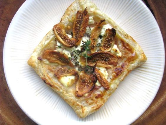 Sunday Brunch: Fig and Goat Cheese Tarts. These simple fig and goat cheese tarts are just that—simple and elegant—and can hit the table in under half an hour. #recipe