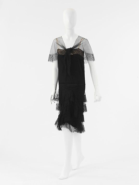 "Ensemble, Evening  House of Chanel  (French, founded 1913)   Designer:Gabrielle ""Coco"" Chanel (French, Saumur 1883–1971 Paris"