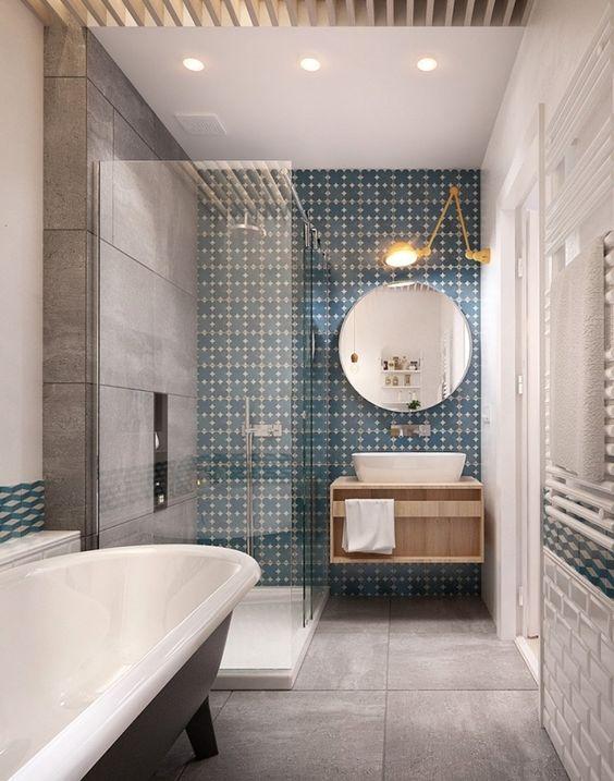 Carreaux de ciment mur salle de bain via int2architecture