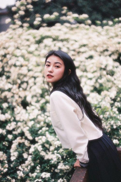 Chiêm ngưỡng nhan sắc 'không thua gì các minh tinh TVB thời xưa' của hot girl 9X - SaoStar