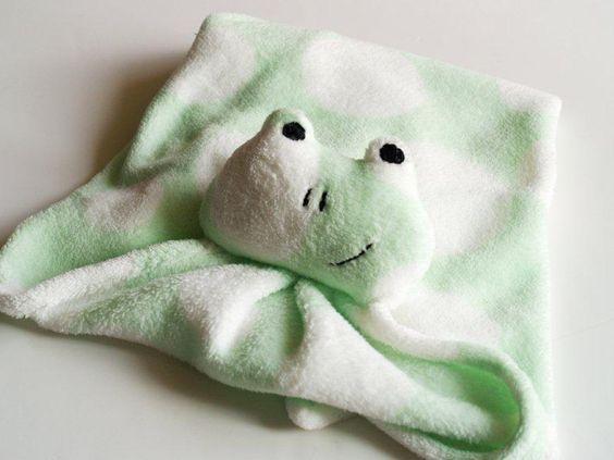 Critter Nursery Blanket Knockoff - make a fleece frog blanket inspired by Pottery Barn Kids (pattern & tutorial)