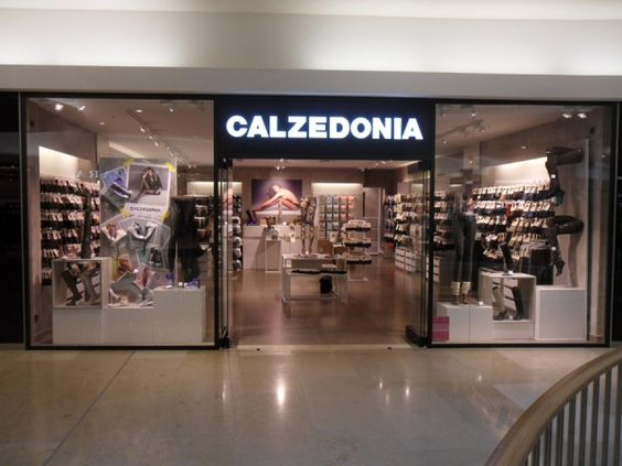 Calzedonia store in berlino arredamentinegozi vetrine for Berlin furniture stores